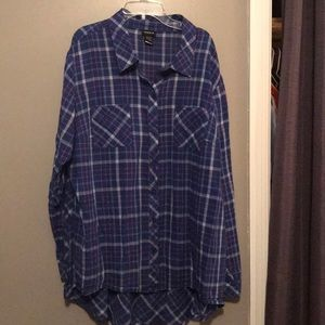 Plaid shirt with interesting back Torrid